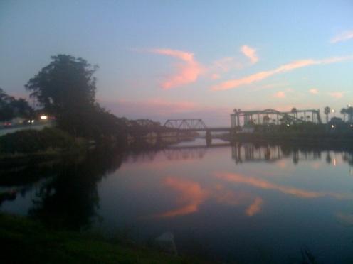 san-lorenzo-river-reflects-sunset-on-10-04-2016-catsteele